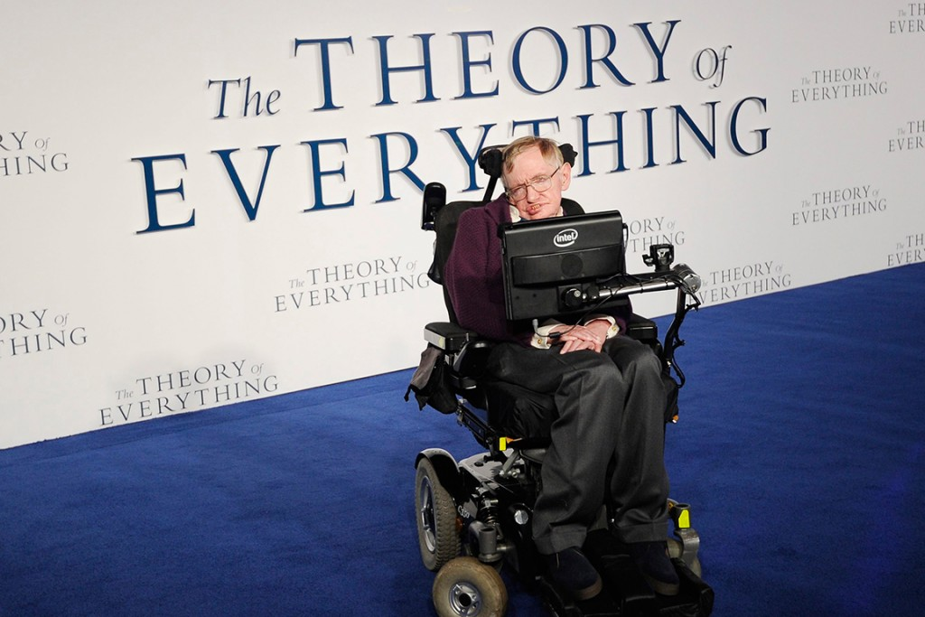 epa04521889 British physicist, professor Stephen Hawking arrives for the the UK premiere of 'The Theory of Everything' in Leicester square in London, Britain, 09 December 2014. The movie will be released in British theatres on 01 January 2015. EPA/FACUNDO ARRIZABALAGA